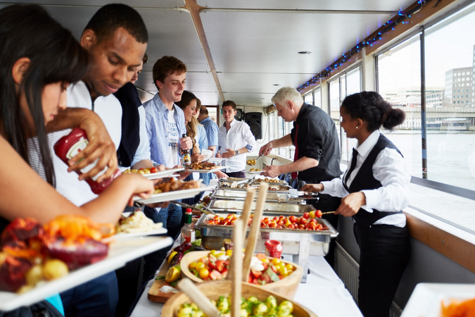 Ticket-includes-a-buffet-meal-on-the-London-boat-party