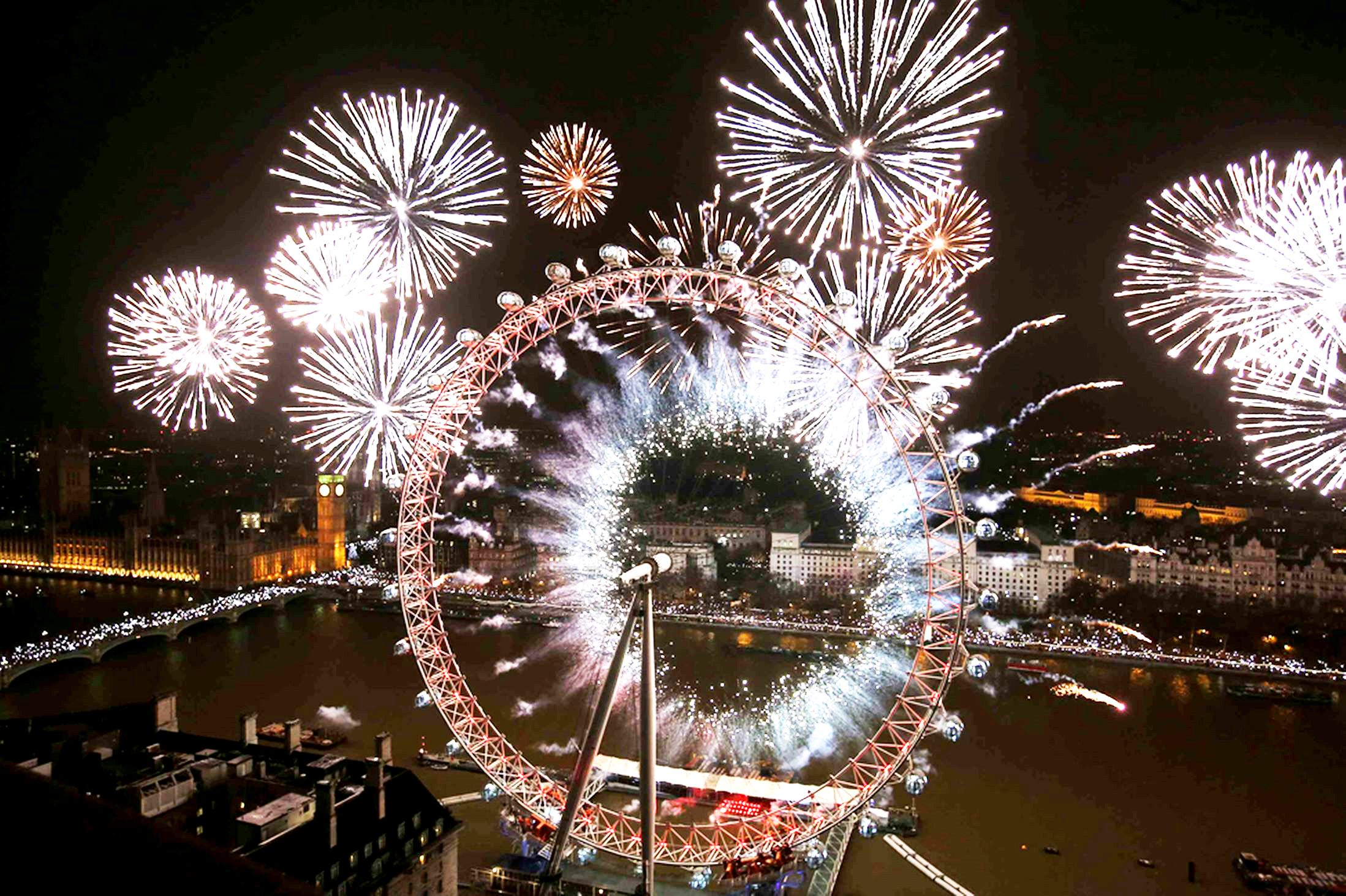 Enjoy London's famous NYE fireworks on the Thames
